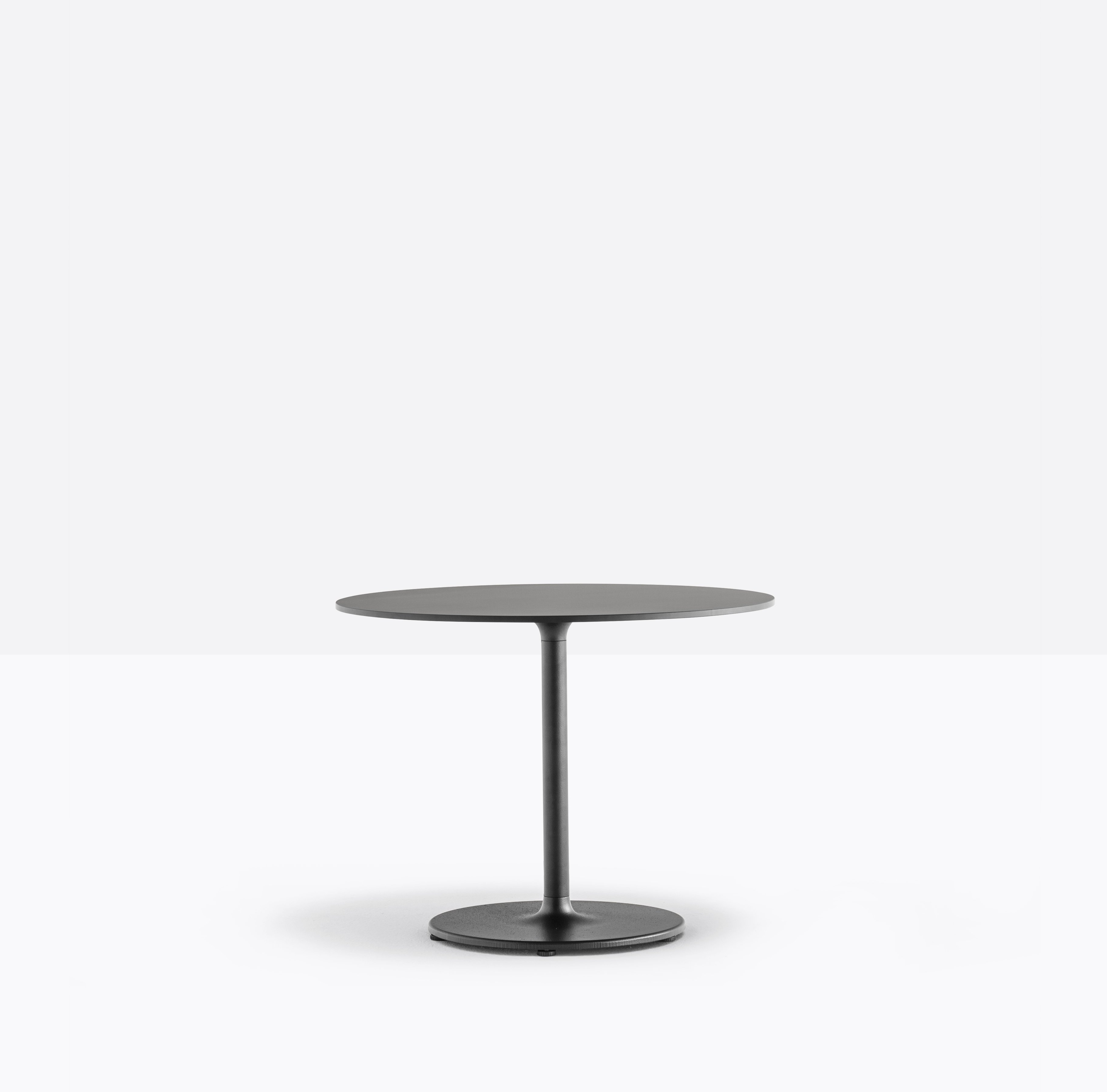 Stylus 5402 Table dining from Pedrali, designed by Pedrali R&D