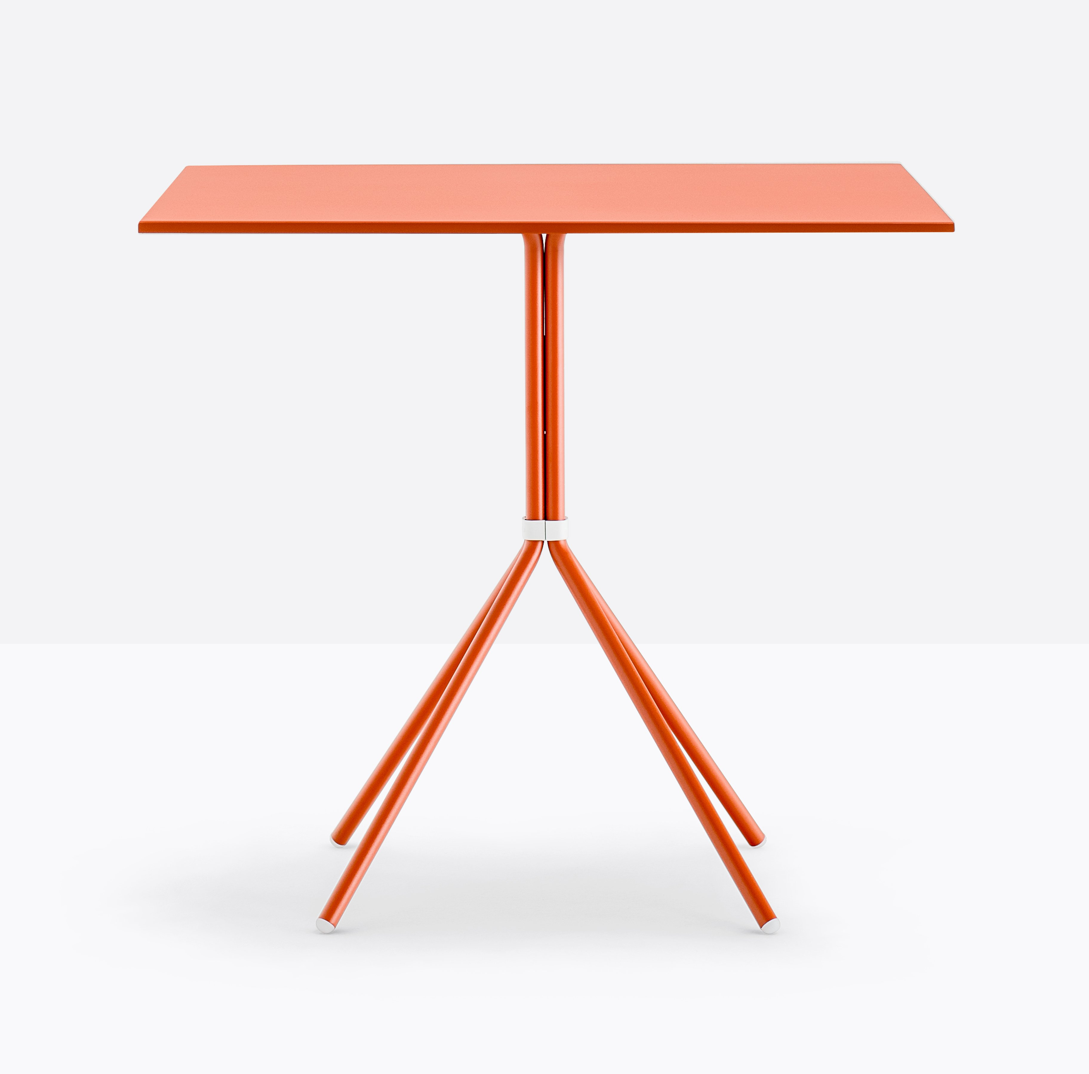 Nolita 5454 Table dining from Pedrali, designed by CMP Design