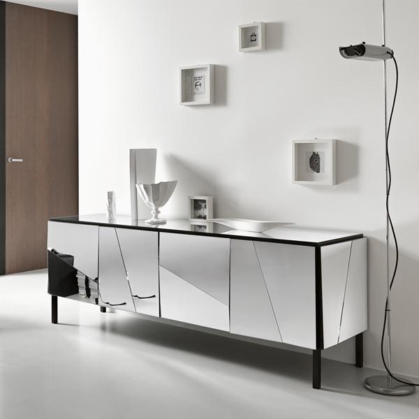 Psiche A cabinet from Tonelli, designed by Giovanni Tommaso Garattoni