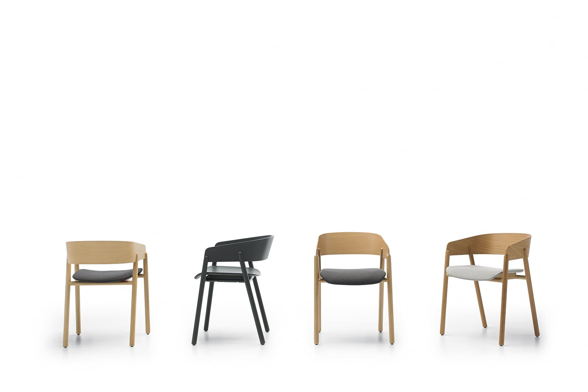 Mava Dining Chair from Punt Mobles, designed by Stephanie Jasny