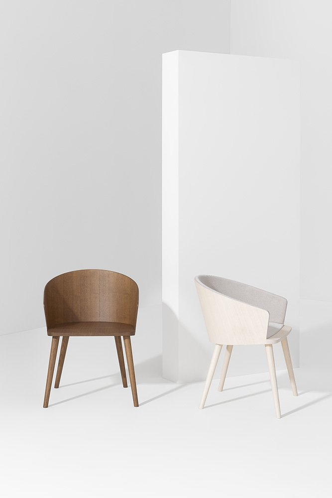 Fitt Hug Chair from Billiani, designed by Victor Carrasco