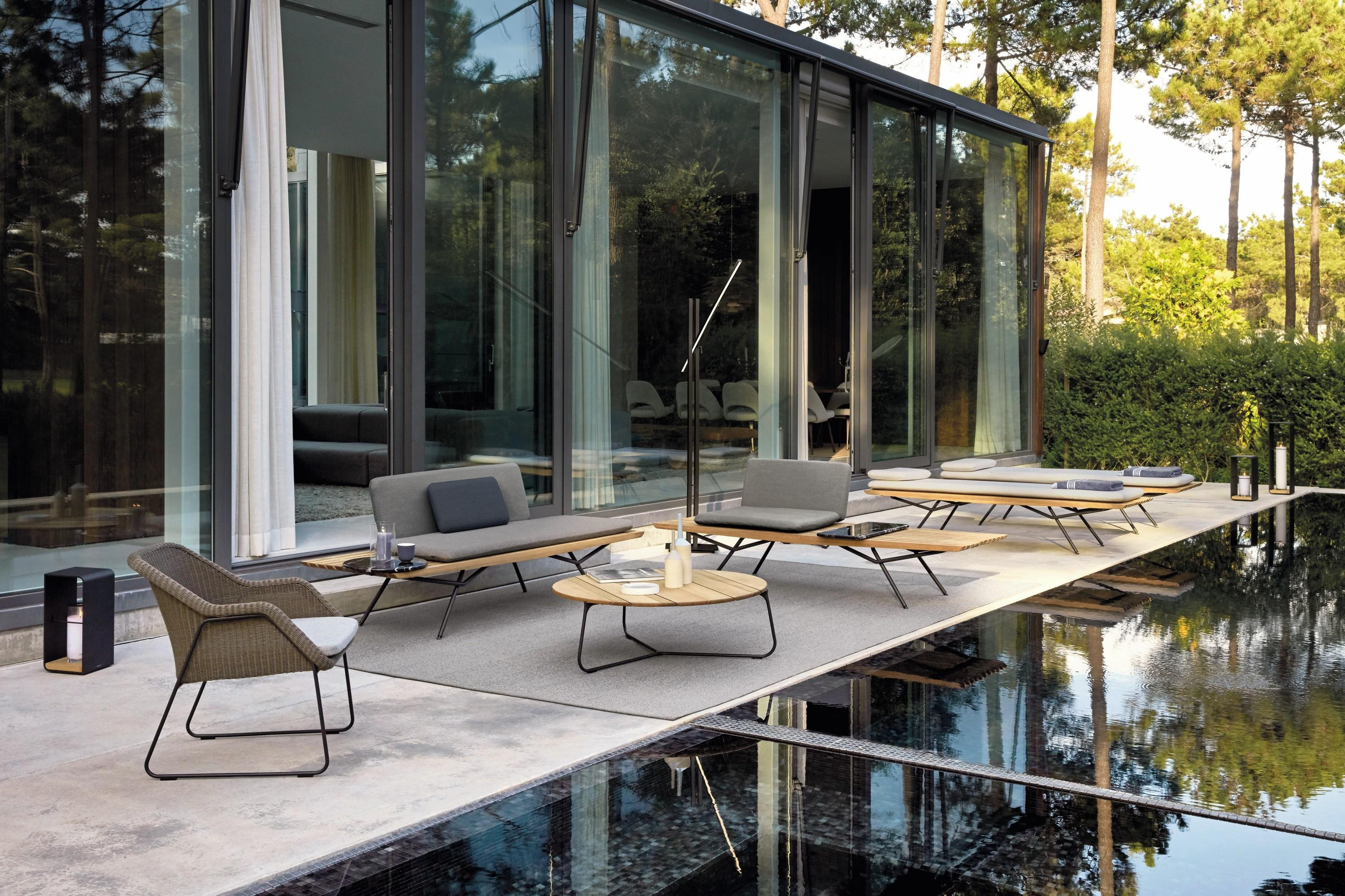 San Lounger from Manutti, designed by Lionel Doyen