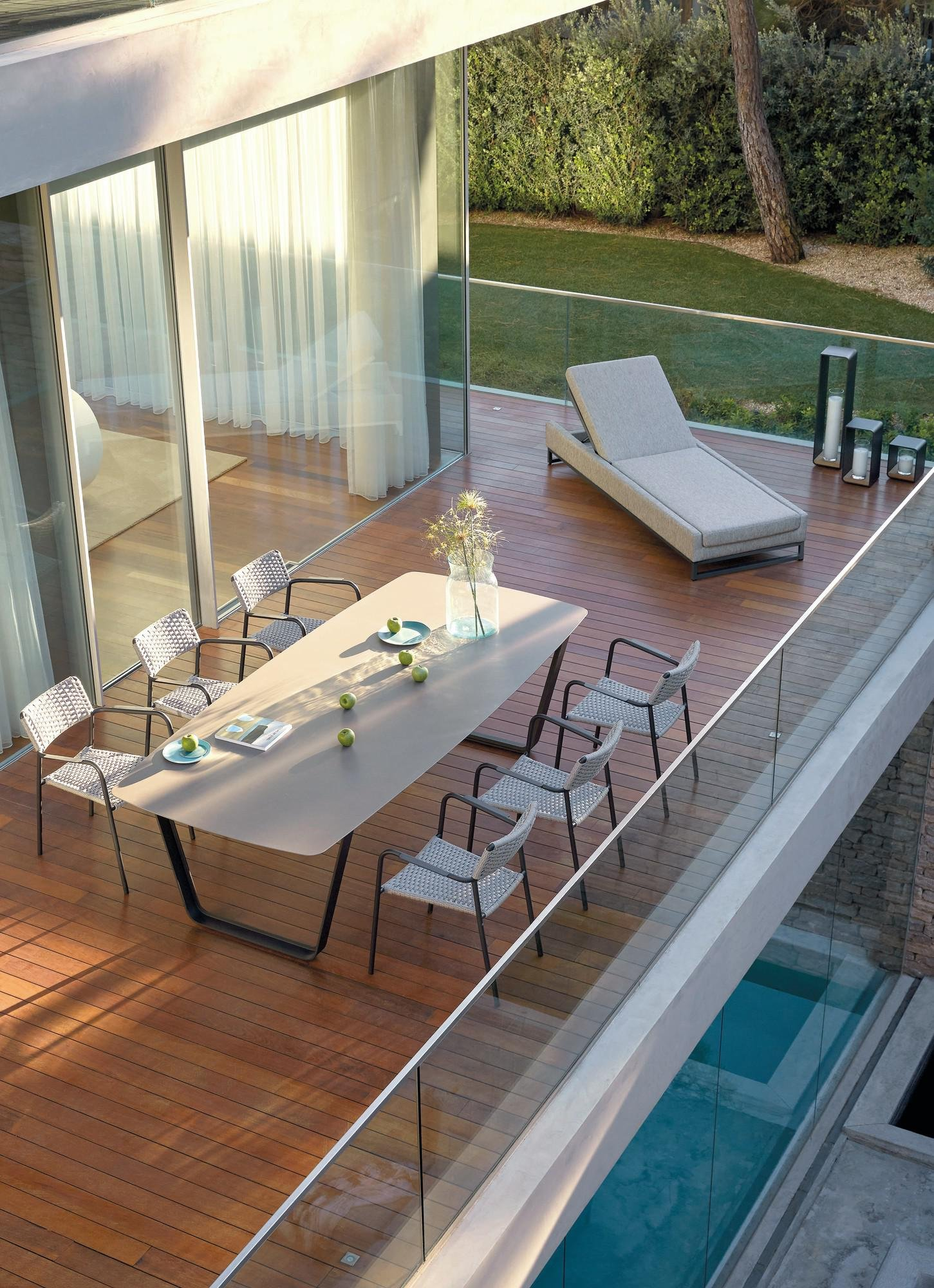 Air Dining Table from Manutti