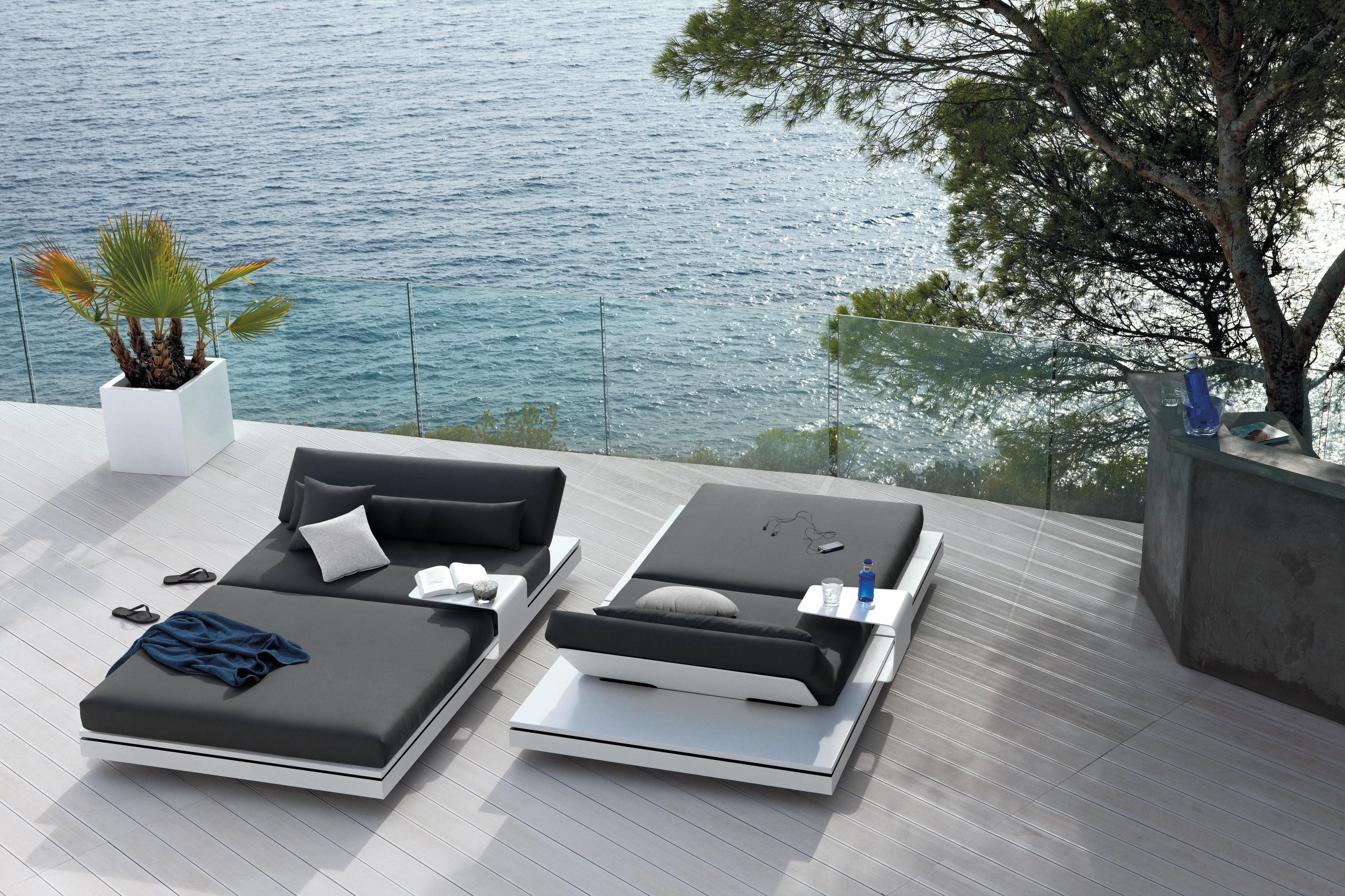 Elements Lounger  from Manutti, designed by Gerd Couckhuyt