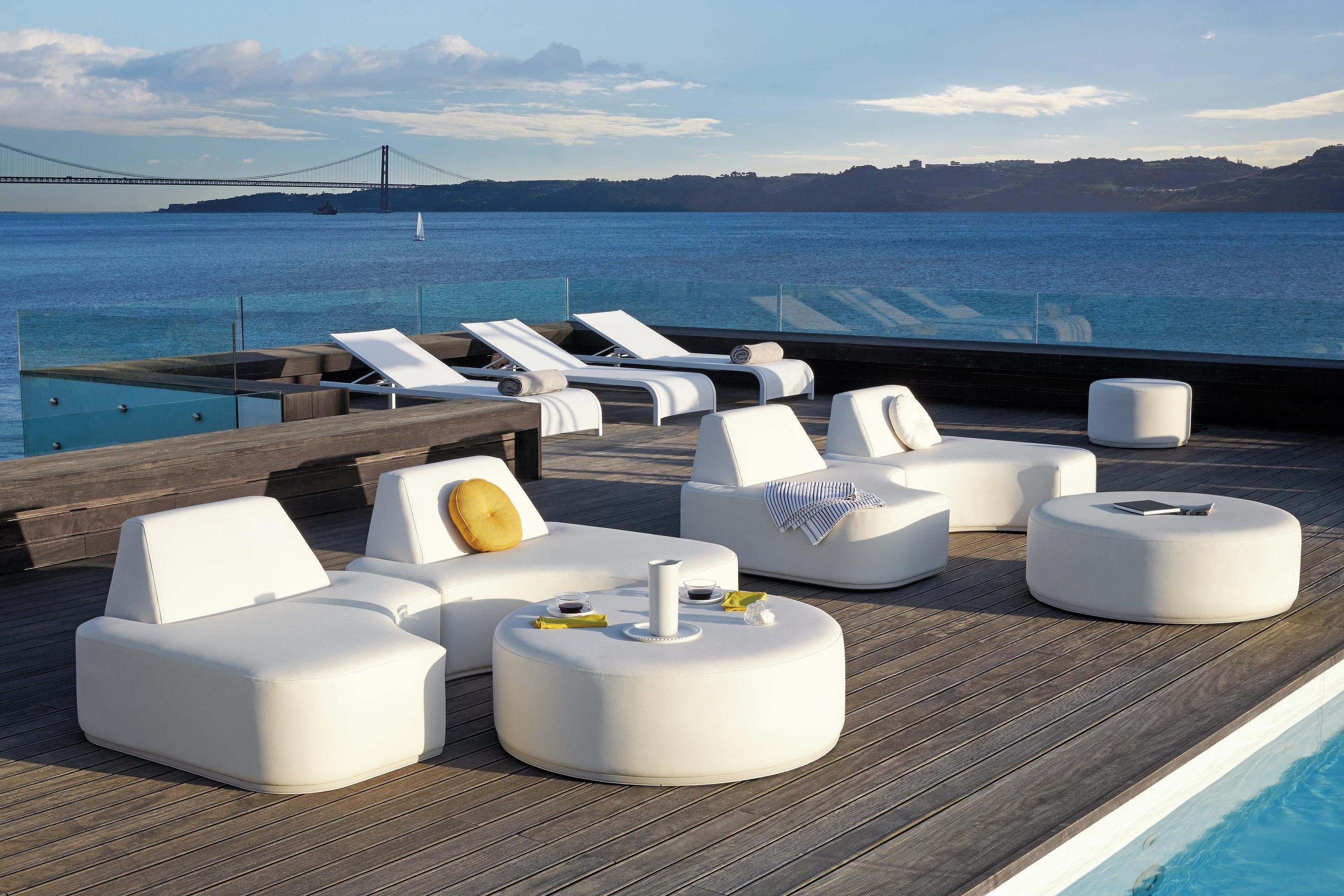Moon Island Lounge Table coffee from Manutti, designed by Gerd Couckhuyt