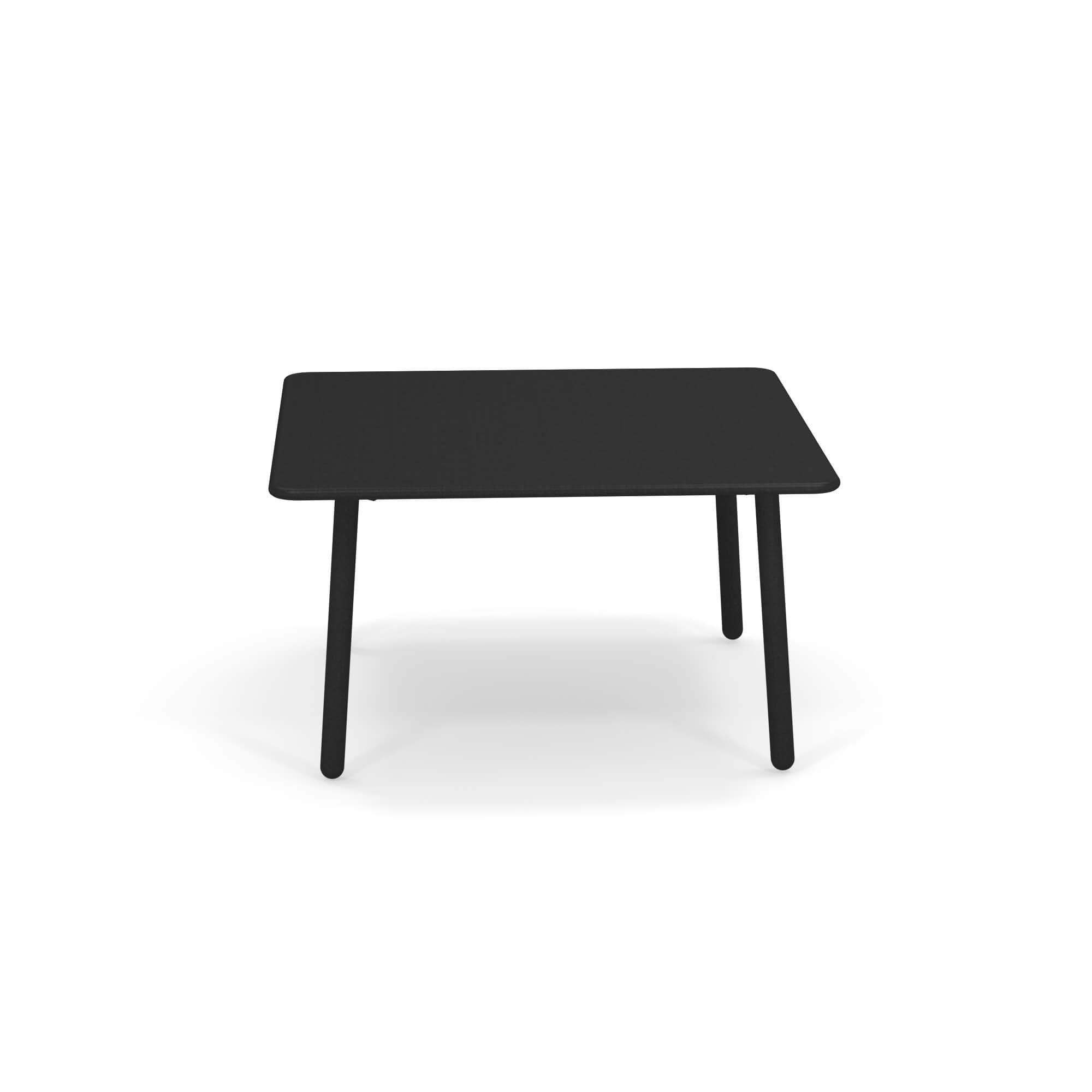 Darwin 526 coffee table from Emu
