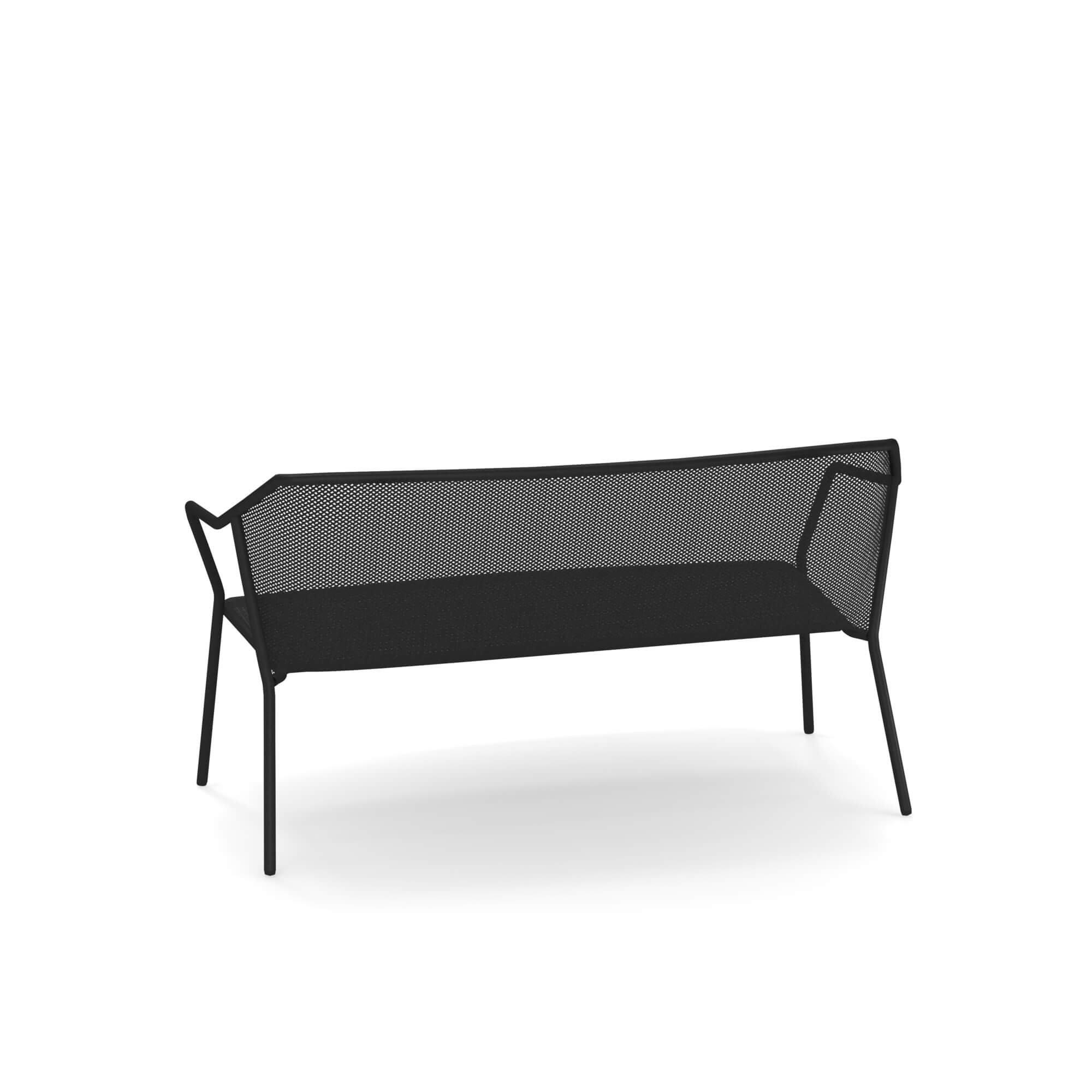 Darwin 527 sofa from Emu