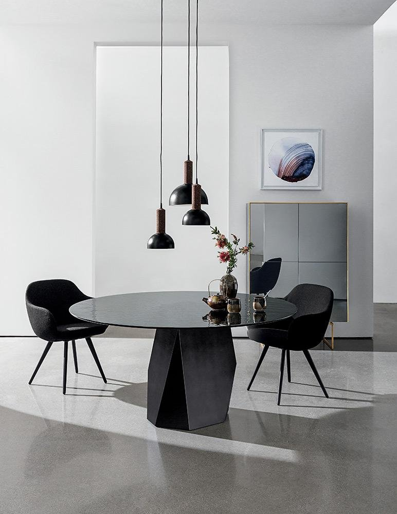 Deod dining table from Sovet, designed by Gianluigi Landoni