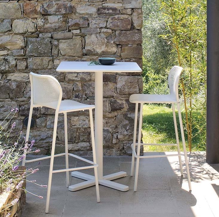 Darwin 523 stool from Emu