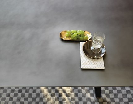 Hype Extendible Table dining from Fiam, designed by Studio Klass