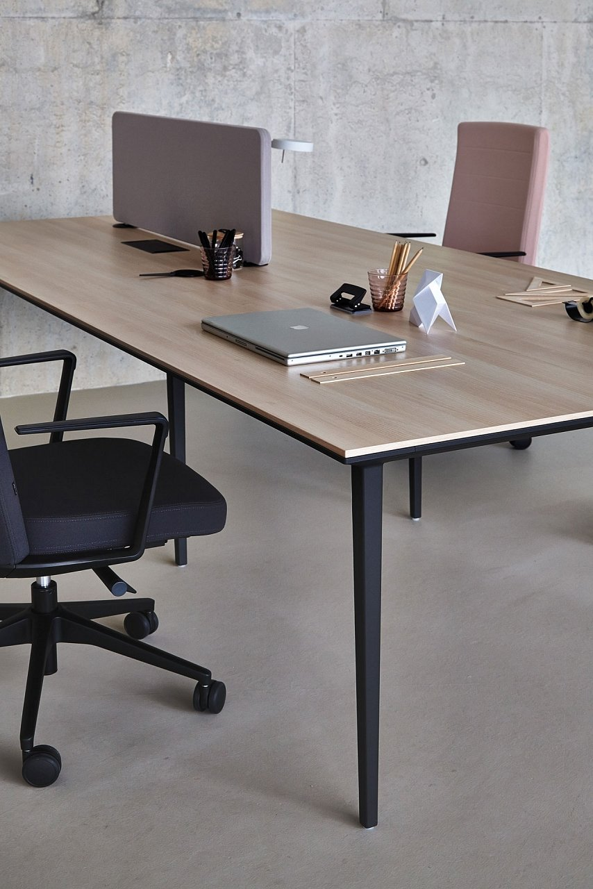 Longo Desk from Actiu