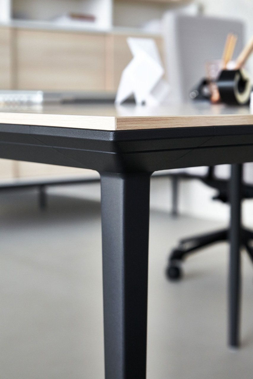 Longo Desk from Actiu