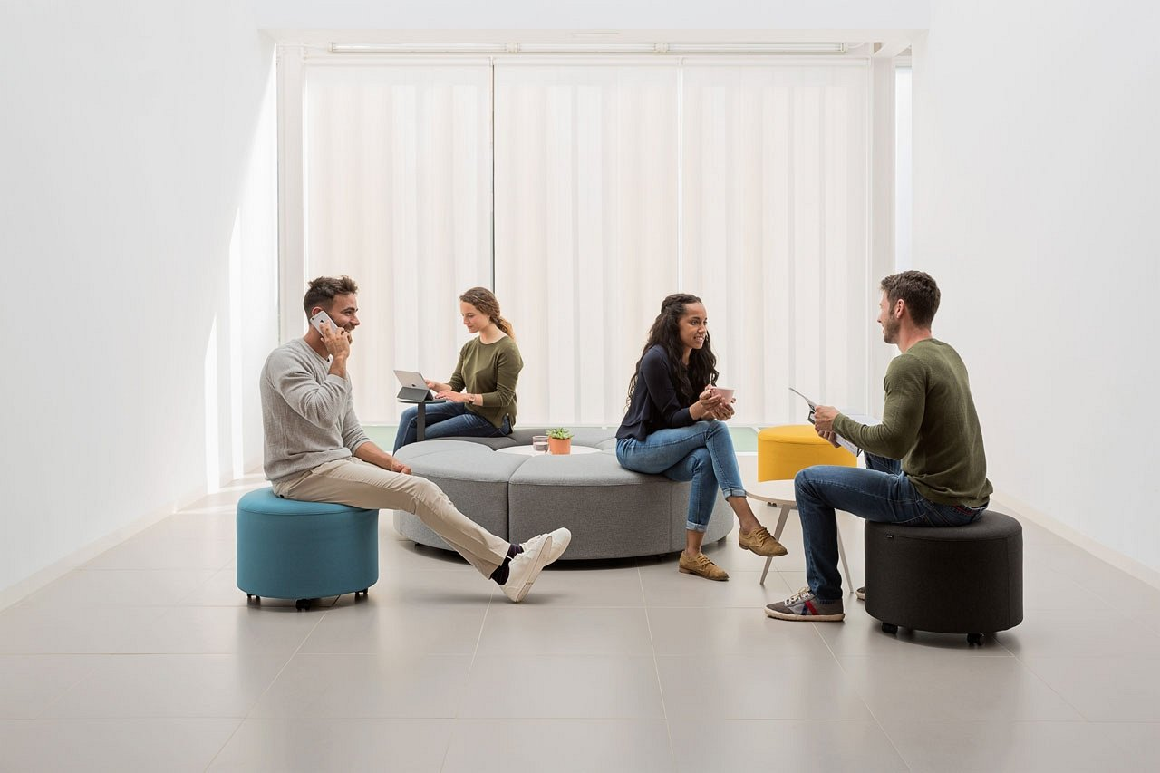 Bend Lounge Seating lounger from Actiu