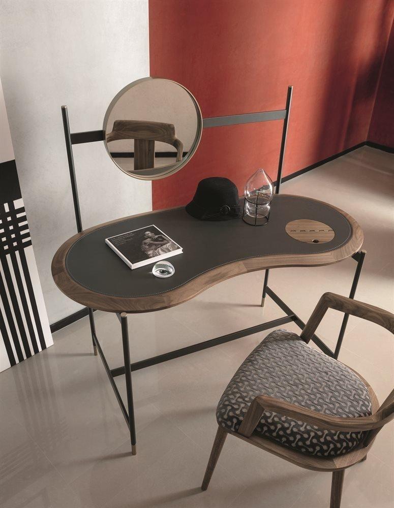 Ninfea Writing Desk from Porada, designed by N. Devetag