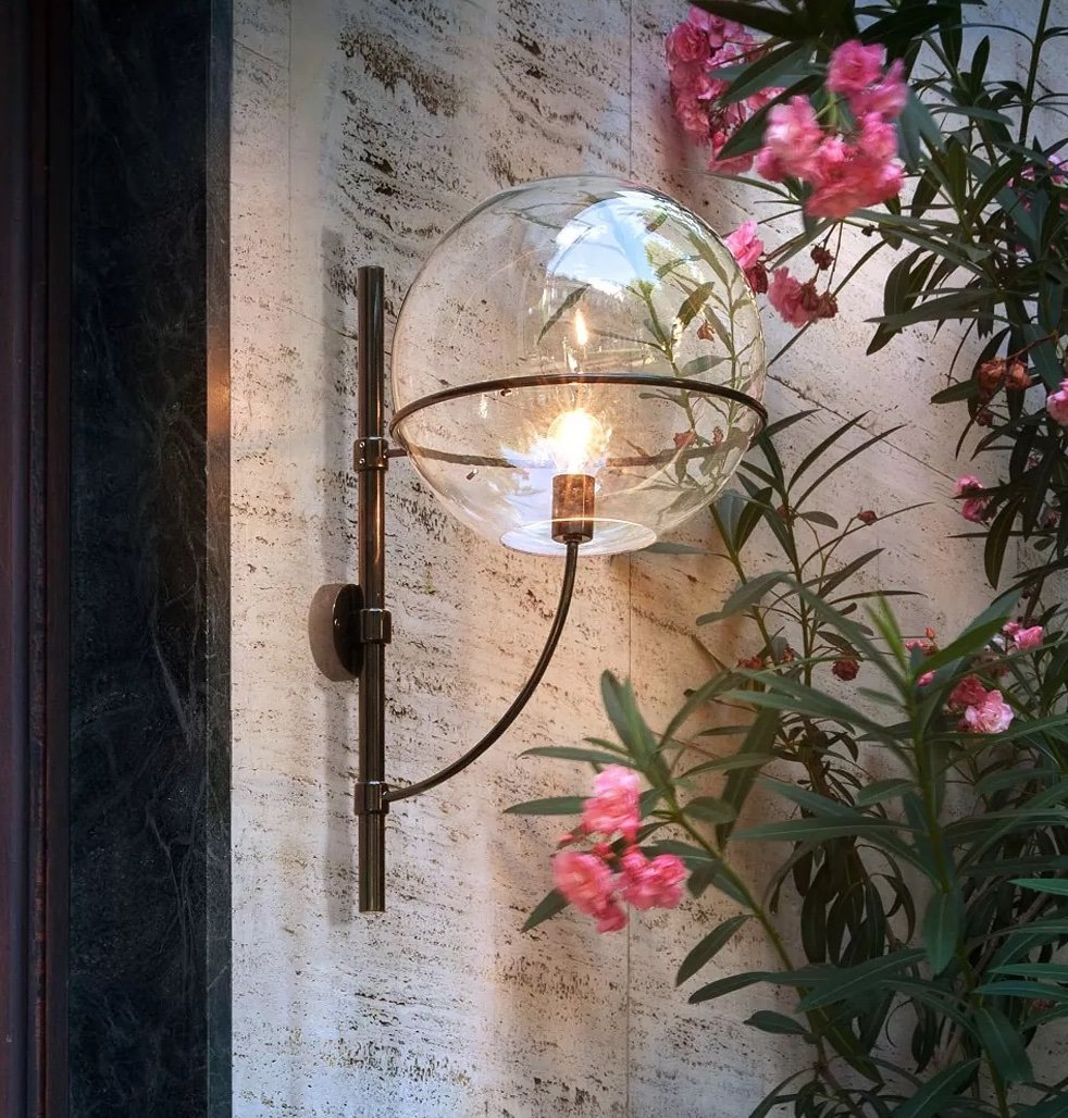 Lyndon Wall Lamp lighting from Oluce, designed by Vico Magistretti