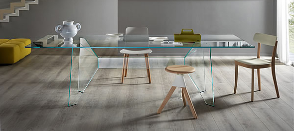 Claro dining table by Tonelli