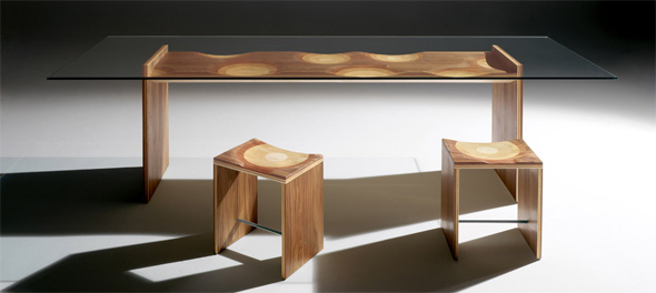 Ripples Table and Stools by Horm